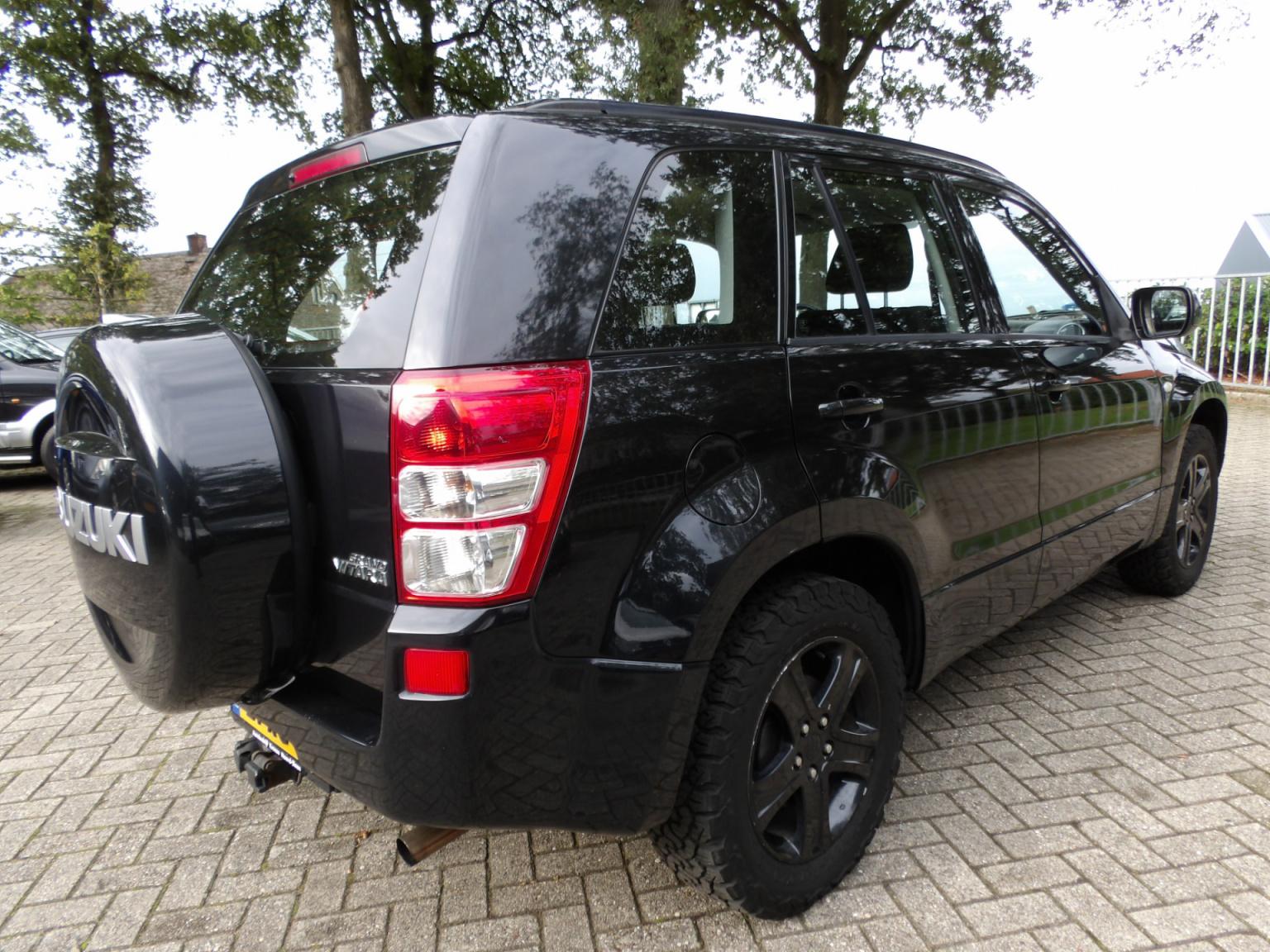 Suzuki-Grand Vitara-4