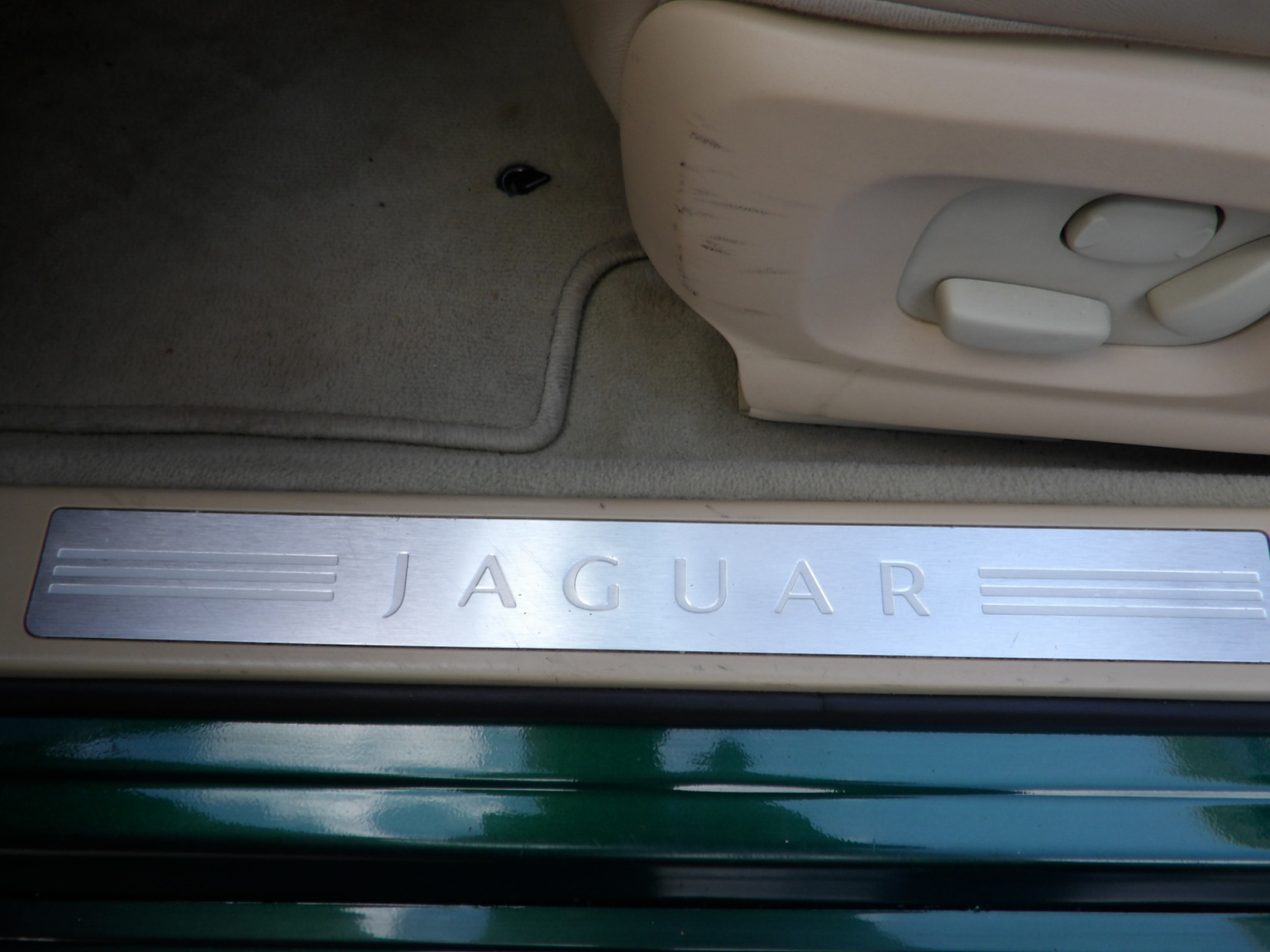 Jaguar-XF-28