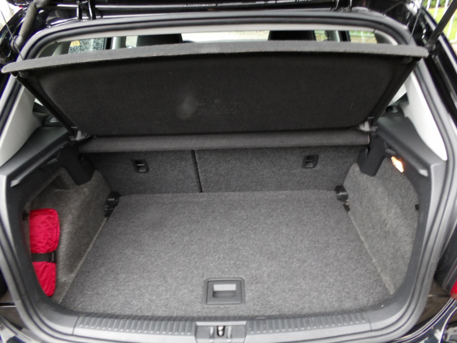 Volkswagen-Polo-16