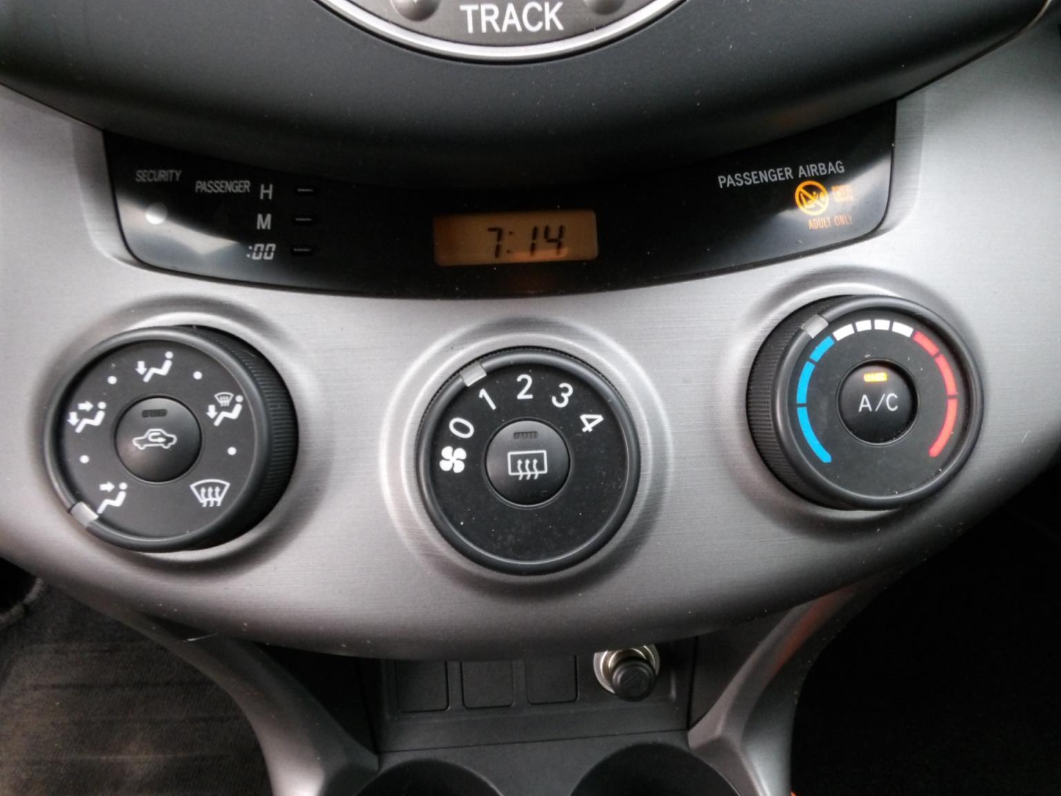 Toyota-RAV4-9